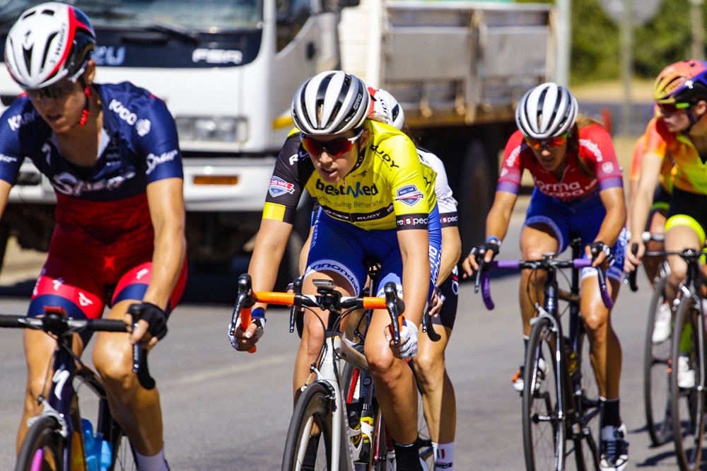 Ariane Luthi of Team Spur leads the bunch ahead of dormakaba's Candice Lill on the final stage of the Bestmed Tour of Good Hope from La Paris Estate to the Taal Monument near Paarl today. Photo: Robert Ward